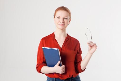 肩書だけは立派な英会話講師(女性)