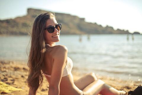 海辺で「ごきげんよう」